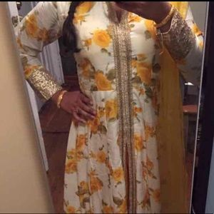 Dresses & Skirts - Floral yellow Indian dress